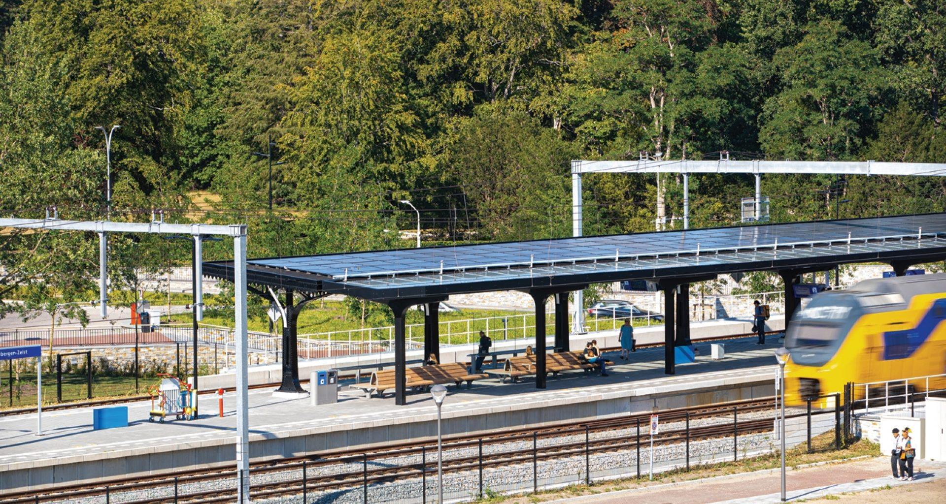 Zonnepanelen op station Driebergen Zeist 96dpi 1280x853px E NR 13360