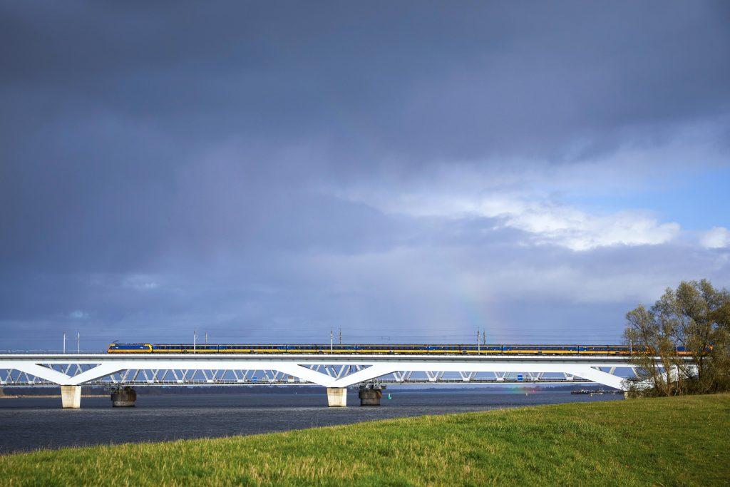 Verbeterprogramma HSL bij brug Hollands Diep met Just Ruitenberg 300dpi 510x340mm C NR 12175